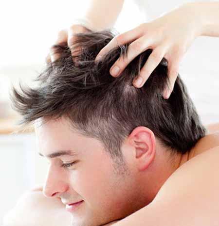 masajear el cuero cabelludo